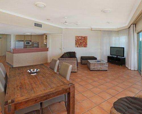 room-11-alexandra-headland-accommodation-9