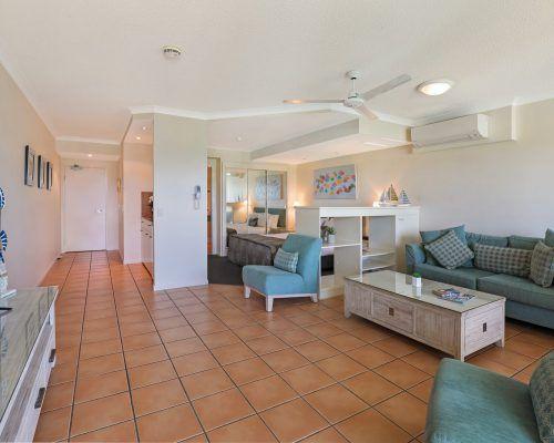 room-14-alexandra-headland-accommodation-7