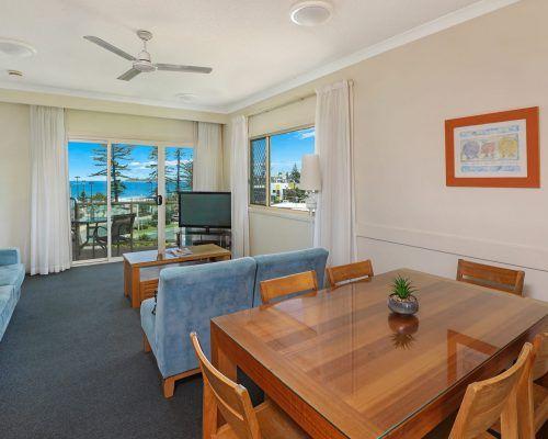 room-22-alexandra-headland-accommodation-4