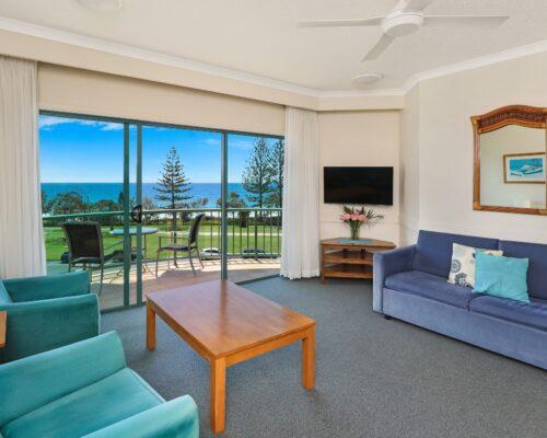 room-25-alexandra-headland-accommodation-8