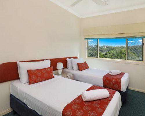 room-27-alexandra-headland-accommodation-2