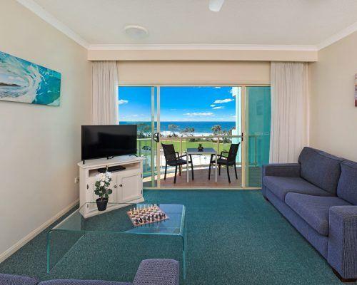 room-27-alexandra-headland-accommodation-5