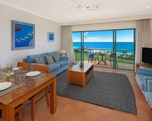 room-38-alexandra-headland-accommodation-1