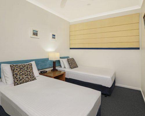 room-38-alexandra-headland-accommodation-2