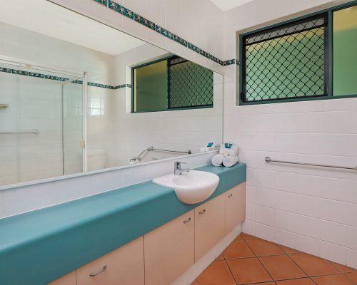room-38-alexandra-headland-accommodation-5