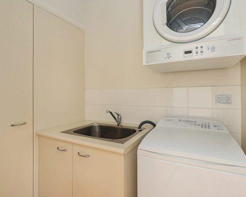 room-38-alexandra-headland-accommodation-6